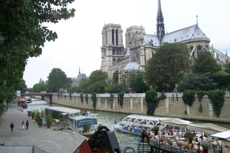 Bateaux-Mouches, Notre Dame, Paris, France