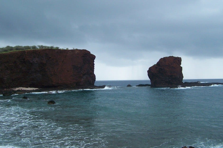 Sweetheart Rock. Manele Bay