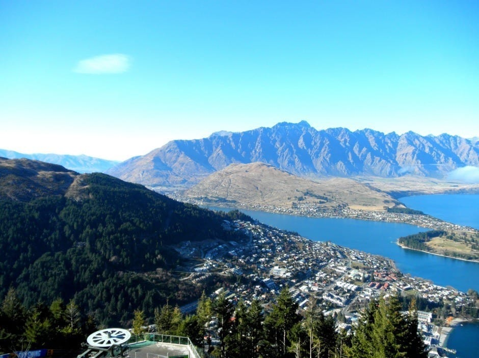 How to Explore Queenstown in a Day - Adventure Capital of New Zealand