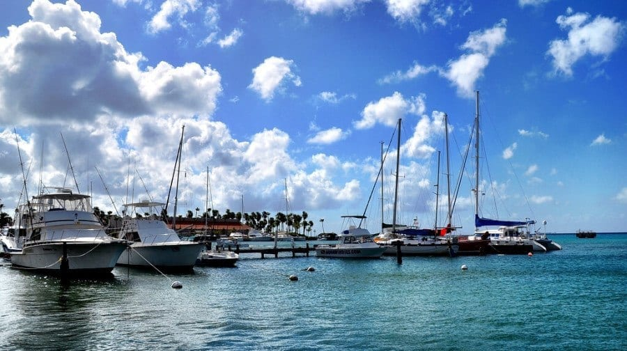 boats harbor aruba