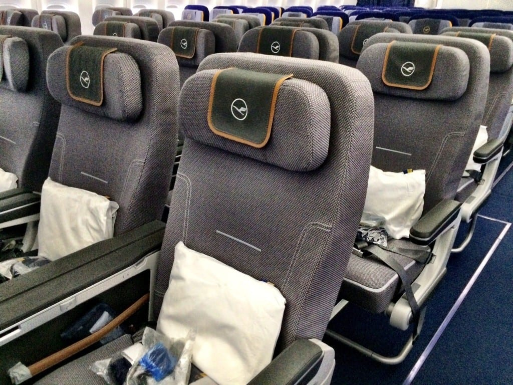 Stupendous Review Of The New Lufthansa Premium Economy Gmtry Best Dining Table And Chair Ideas Images Gmtryco